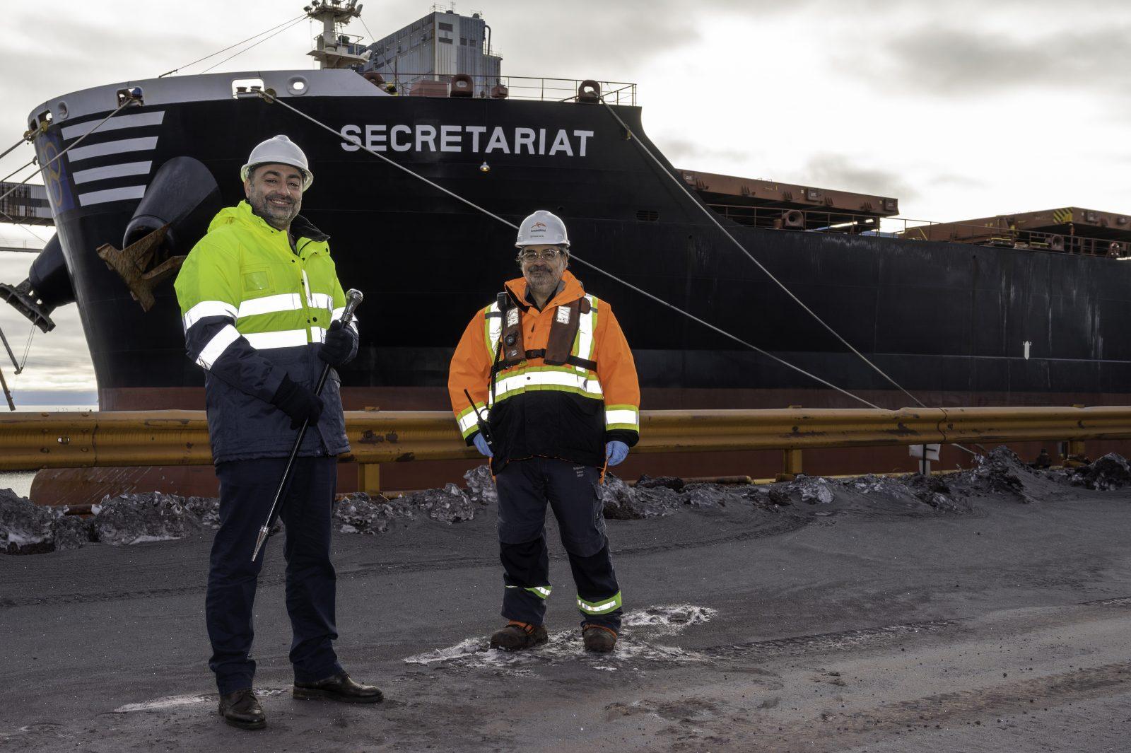 ArcelorMittal remet la canne à pommeau d'acier au Secretariat